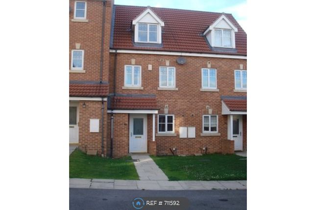 Thumbnail Terraced house to rent in Whyment Close, Leeds