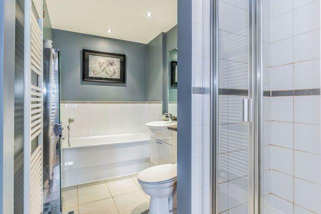 Master En-Suite of Green Street, Sunbury-On-Thames TW16