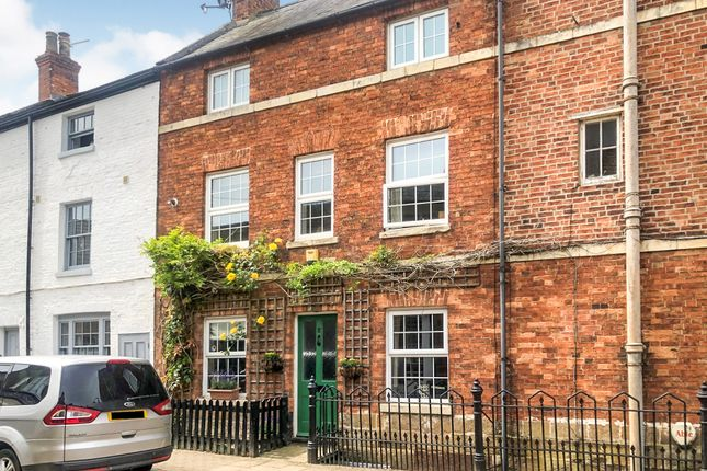 Thumbnail Terraced house for sale in Queen Street, Uppingham, Oakham