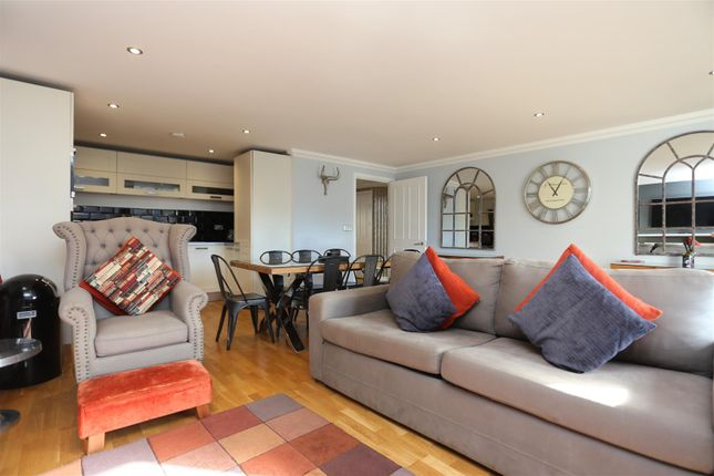 2 bed flat to rent in Avalon Apartments, West Street, Brighton BN1