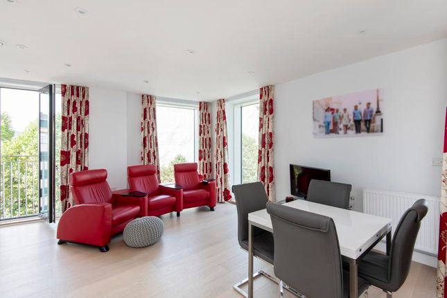 Thumbnail Flat to rent in Peabody Square, Blackfriars Road, London