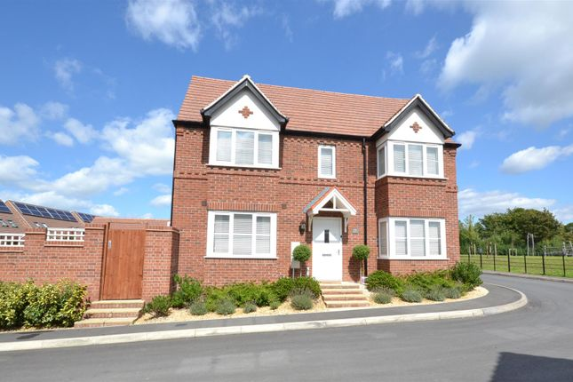 Thumbnail Semi-detached house for sale in Badgers Way, Bishopton, Stratford-Upon-Avon