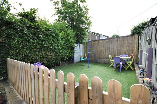 Picture No. 14 of Holtdale View, Holt Park, Leeds LS16