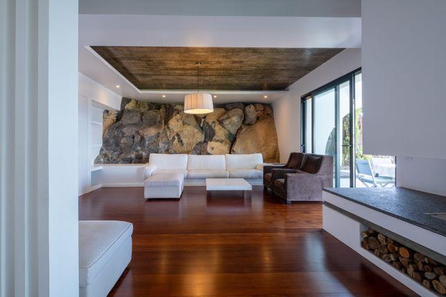 Villa for sale in Garajau, Caniço, Santa Cruz, Madeira Islands, Portugal