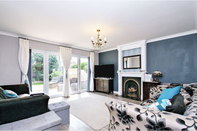 Living Area of Kent Elms Close, Southend-On-Sea SS2