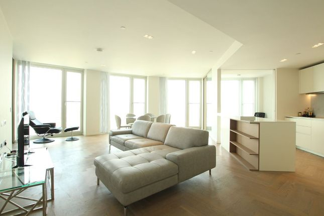 Thumbnail Flat to rent in Southbank Tower Upper Ground, London