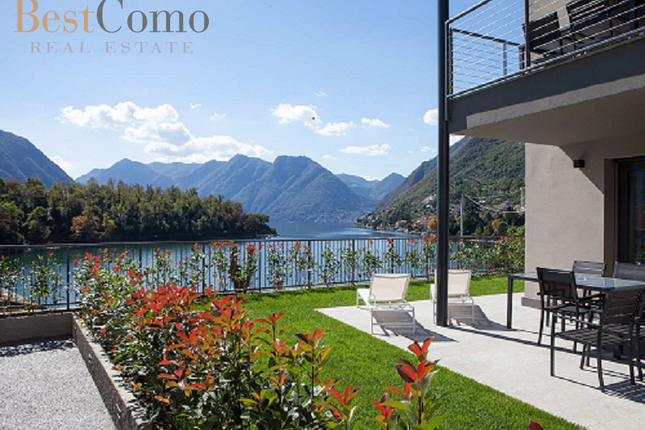2 bed apartment for sale in Ossuccio, Lake Como, Lombardy, Italy