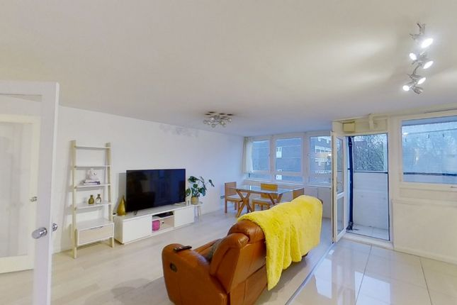 2 bed property to rent in Mead Place, London E9