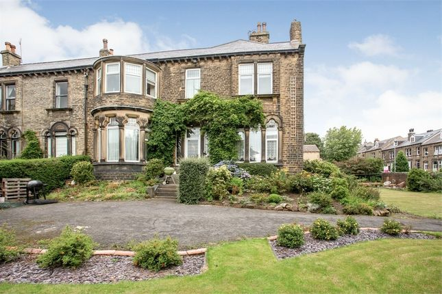 Thumbnail Flat for sale in Grasmere Road, Huddersfield, West Yorkshire