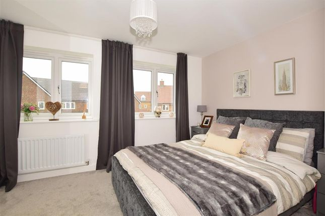 Bedroom 1 of Richards Avenue, Horley, Surrey RH6