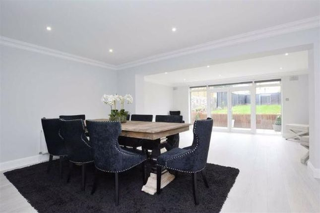 4 bed end terrace house to rent in Harley Road, Regents Park NW3