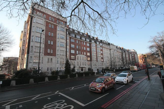 3 bed flat for sale in Wellington Road, London