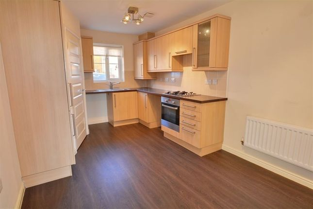 Thumbnail Semi-detached house to rent in Springfield Road, Lofthouse, Wakefield