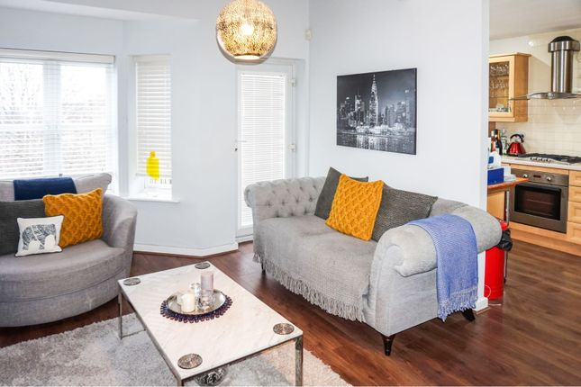 Thumbnail Flat to rent in Russell Place, Sale