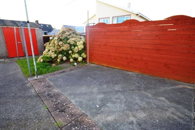 Picture No. 06 of Observatory Avenue, Hakin, Milford Haven SA73