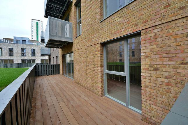 2D.01.01_Terrace of Meranti Apartments, Deptford Landings, Deptford SE8