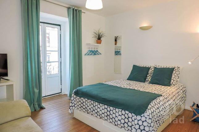 Apartment for sale in Arroios, Lisboa, Lisboa