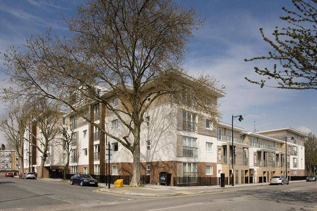 2 bed flat to rent in Coleman Fields, Islington, London N1