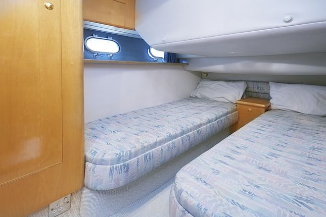 Bed 2 of St Katharine Docks, Wapping E1W