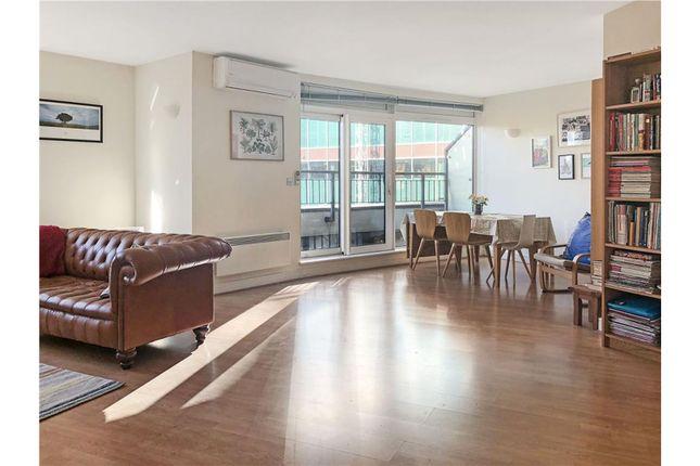 Thumbnail Flat for sale in 99 Chertsey Road, Woking