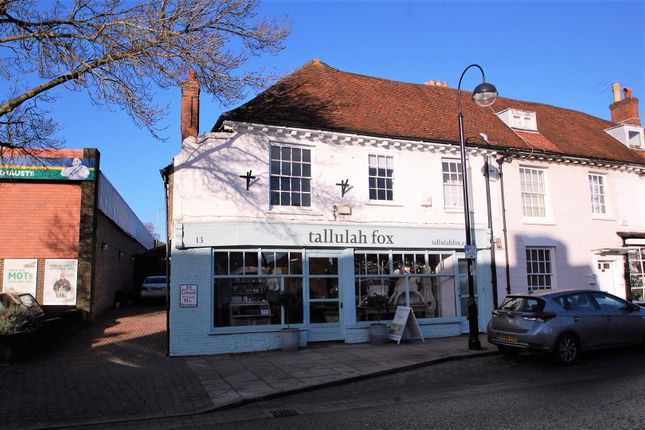 Thumbnail Flat to rent in Heroncrest, Dragon Street, Petersfield