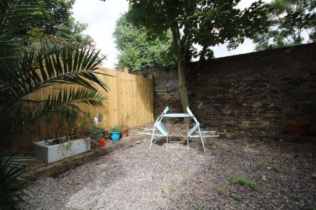 Thumbnail Flat to rent in Calabria Road, Islington