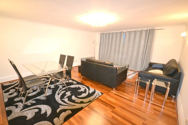 Thumbnail Terraced house to rent in Lawn House Close, Canary Wharf