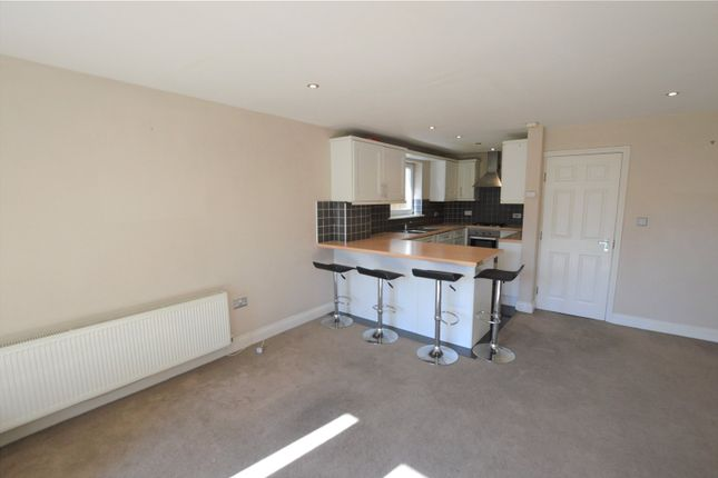 2 bed flat to rent in Venner Road, London SE26