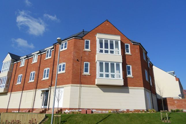 Thumbnail Flat to rent in Collingwood Road, Wyndham Park, Yeovil