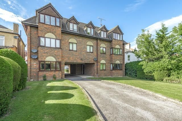 Thumbnail Flat to rent in 127 Leicester Road, Barnet
