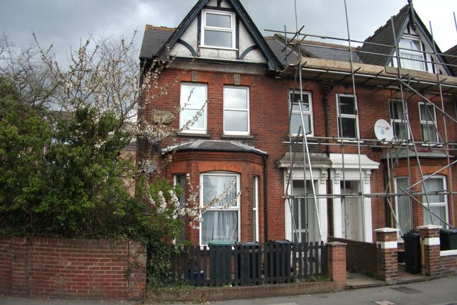 Maisonette to rent in Somerset Road, Ashford, Kent