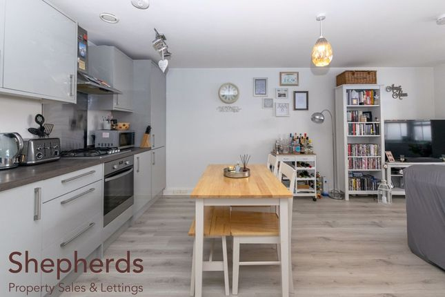 Thumbnail Flat for sale in Wycliffe Close, Cheshunt, Hertfordshire
