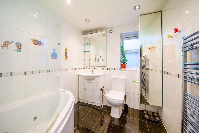 Bathroom of Hawarden Hill, Brook Road, London NW2