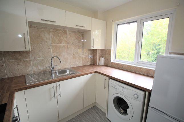 Thumbnail Flat to rent in Adams Way, Alton