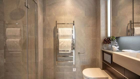 Second Bathroom of Thornes House, 6-8 Charles Clowes Walk, The Residence, London SW11