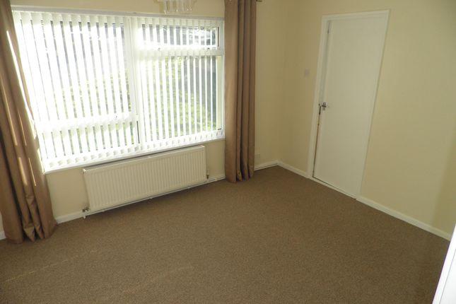 Thumbnail Flat to rent in Newby Crescent, Killinghall, Harrogate