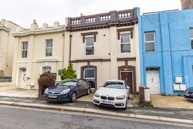 Thumbnail Shared accommodation to rent in Hill Park Crescent, Plymouth