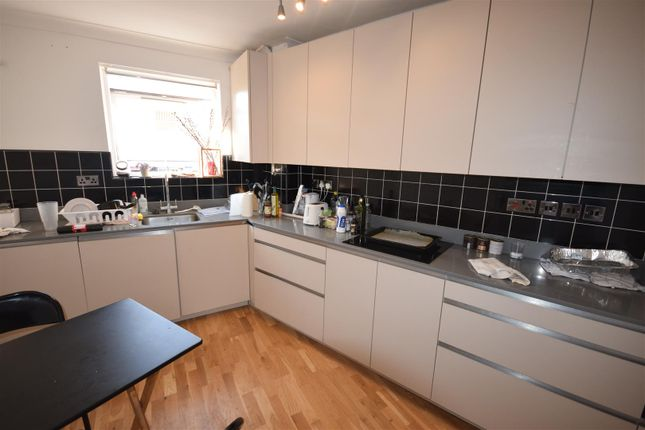 Thumbnail Flat to rent in Belsize Road, London