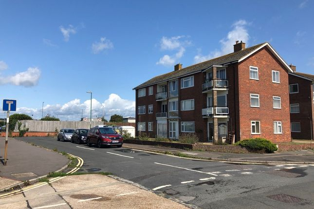 2 bed flat to rent in Marine Court, Beach Green, Shoreham-By-Sea, West Sussex BN43