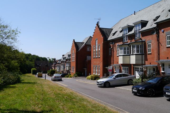Thumbnail Town house for sale in Greensleeves Drive, Warley, Brentwood