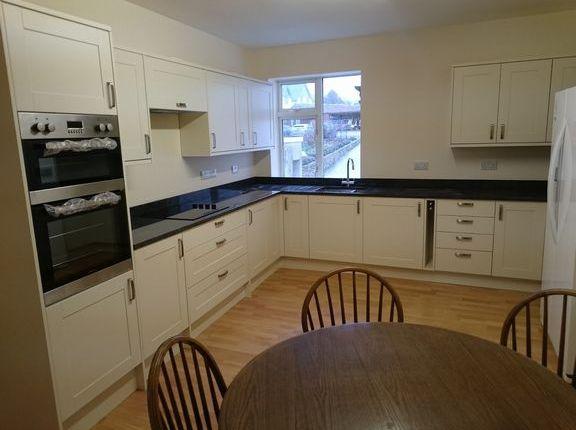 Thumbnail Maisonette to rent in St. John Close, High Street, Honiton