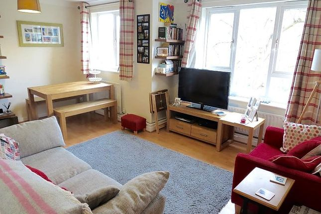 Thumbnail Flat for sale in Cortis Road, London