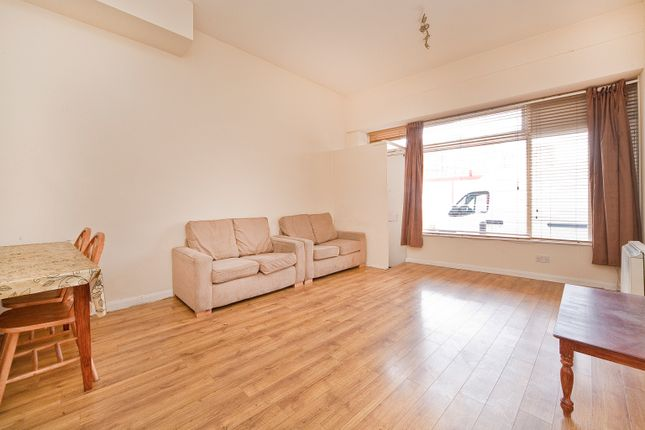2 bed flat for sale in Old Castle Street, London E1