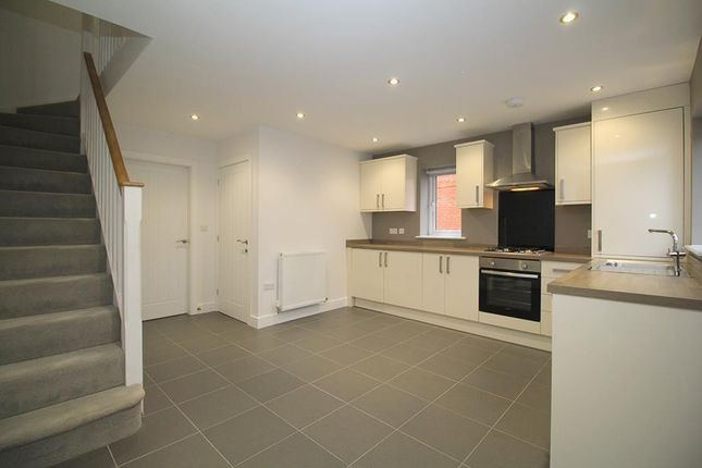 2 bed property to rent in Coltman Drive, Loughborough LE11