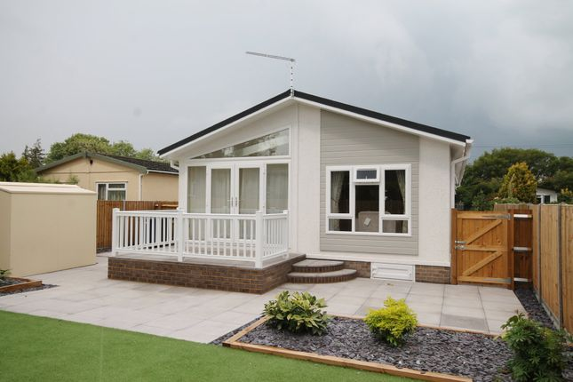 Thumbnail Mobile/park home for sale in Whitton Farm Park, Way Lane, Waterbeach