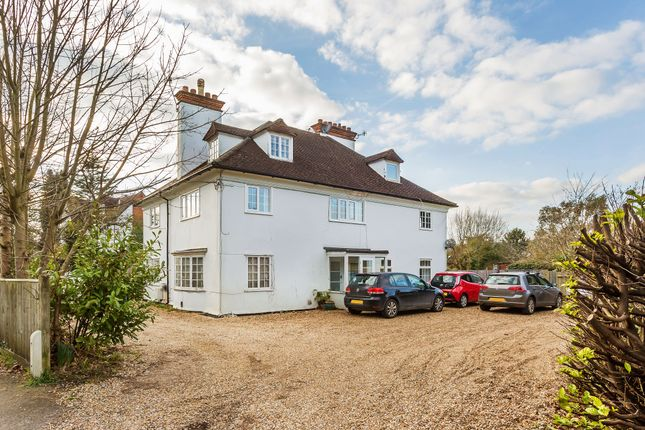 Thumbnail Flat for sale in West Hill, Oxted