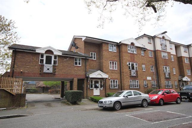 Thumbnail Flat to rent in Croft Street, London