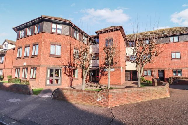 1 bed flat for sale in Stadium Road, Southend-On-Sea SS2