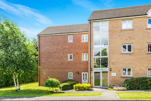 Thumbnail Flat for sale in Fieldmoor Lodge, Pudsey