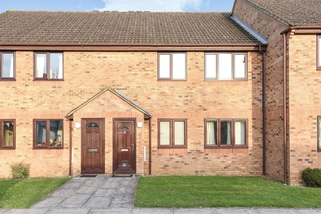 Thumbnail Flat for sale in The Larches, Carterton